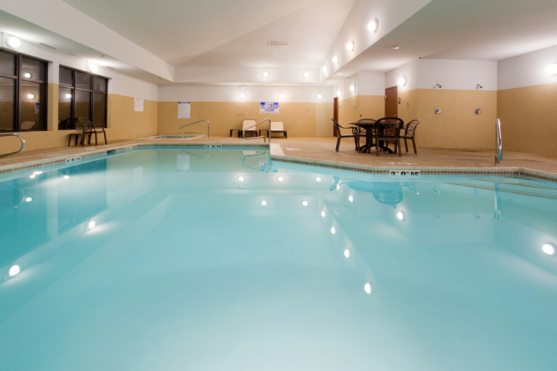 Holiday Inn Express & Suites Salt Lake City - Airport East-Swimming Pool<br/>Image from Leonardo