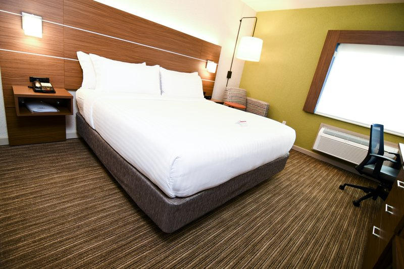 Holiday Inn Express & Suites Port Clinton - Catawba Island-King Guest Room<br/>Image from Leonardo