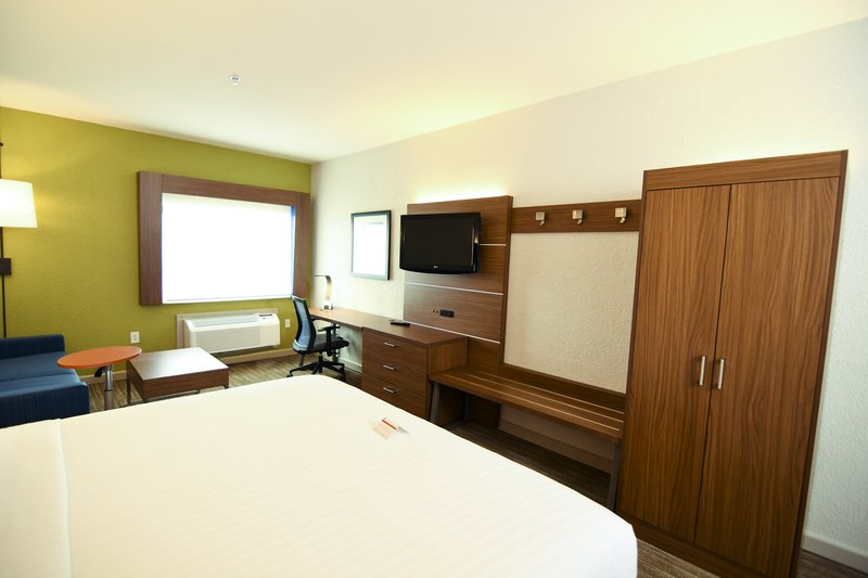 Holiday Inn Express & Suites Port Clinton - Catawba Island-Desk and Wardrobe Wall<br/>Image from Leonardo
