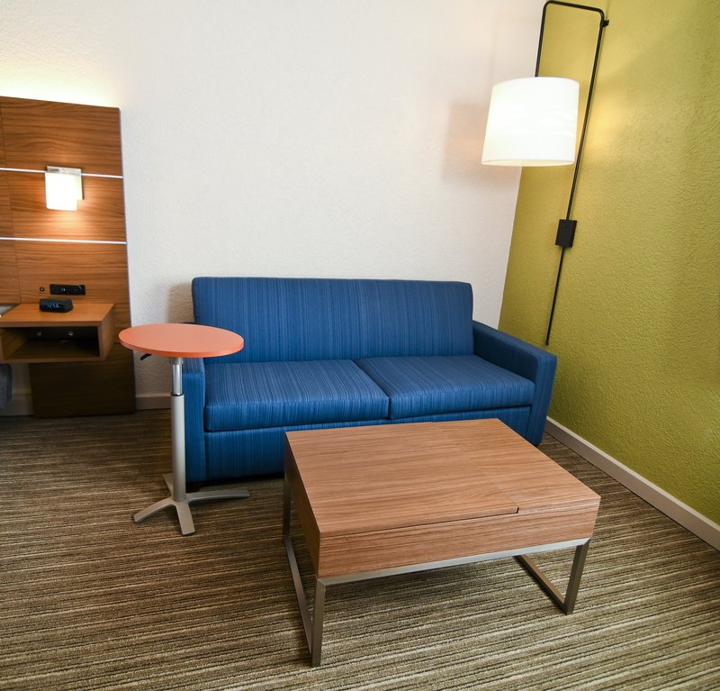 Holiday Inn Express & Suites Port Clinton - Catawba Island-Sleeper Sofa<br/>Image from Leonardo