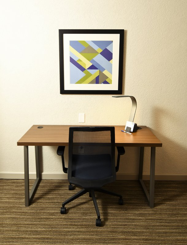 Holiday Inn Express & Suites Port Clinton - Catawba Island-Work Desk Area<br/>Image from Leonardo