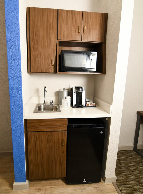 Holiday Inn Express & Suites Port Clinton - Catawba Island-Refreshment Zone<br/>Image from Leonardo