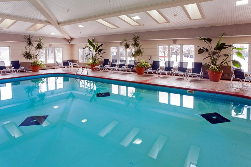 Holiday Inn Express & Suites Port Clinton - Catawba Island-Swimming Pool<br/>Image from Leonardo