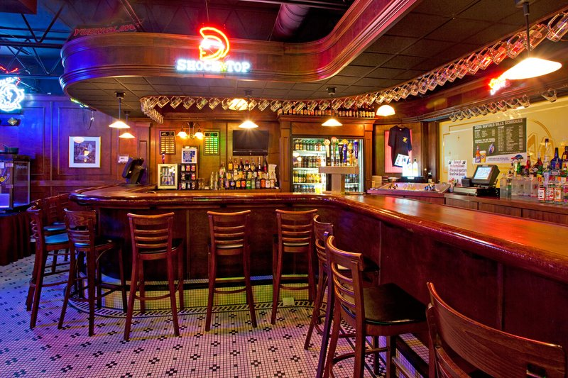 Holiday Inn Buffalo International Airport-Restaurant - Max's Classic American Grill<br/>Image from Leonardo