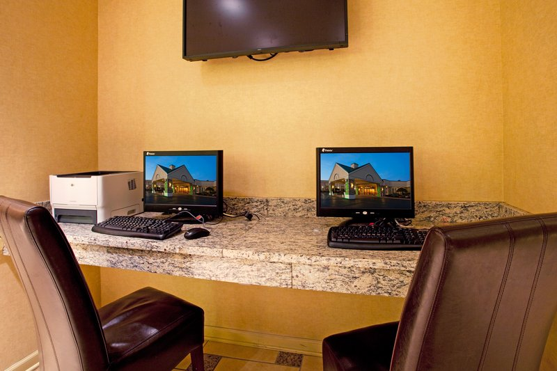 Holiday Inn Buffalo International Airport-Business Center - Free Wifi throughout the hotel.<br/>Image from Leonardo