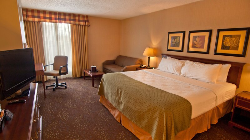 Holiday Inn Buffalo International Airport-King Guest Room with newly renovated bathroom<br/>Image from Leonardo
