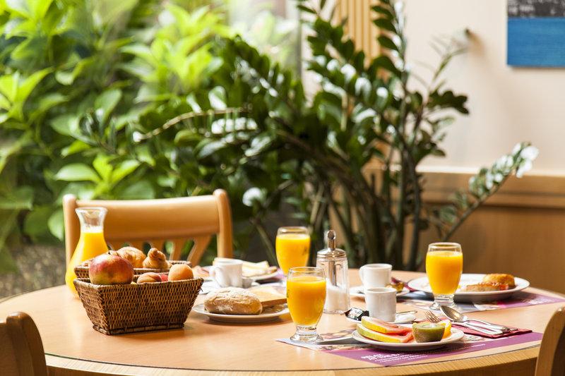 Crowne Plaza Geneva-Cafgé Jardin, Breakfast restaurant<br/>Image from Leonardo