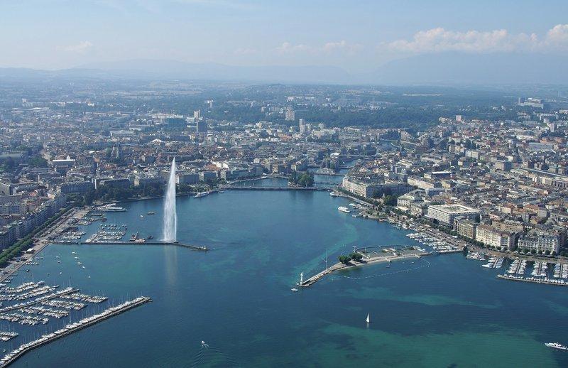Crowne Plaza Geneva-Lake Geneva with the water fountain<br/>Image from Leonardo