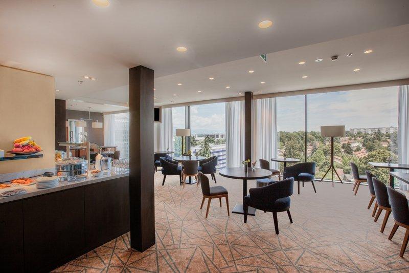 Crowne Plaza Geneva-Club Floor Lounge with panoramic views<br/>Image from Leonardo