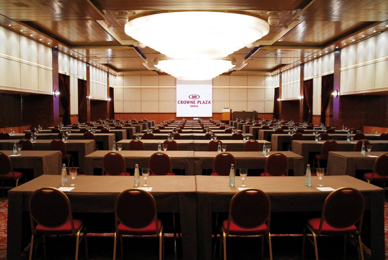 Crowne Plaza Geneva-Meeting Room Classroom Style<br/>Image from Leonardo