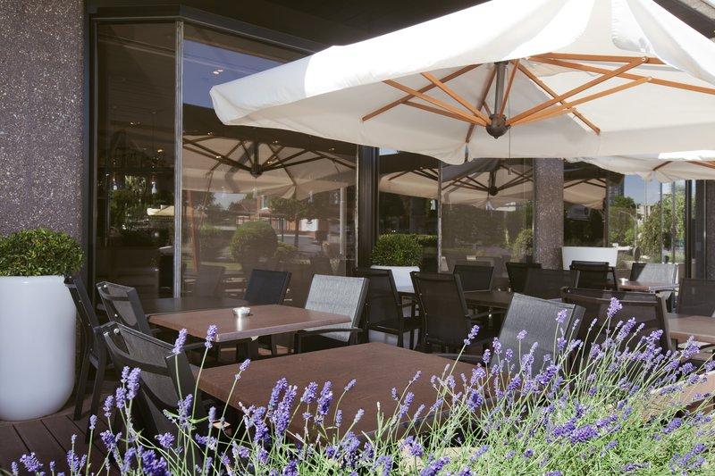 Crowne Plaza Geneva-Le Bar Terrace in a shady area<br/>Image from Leonardo