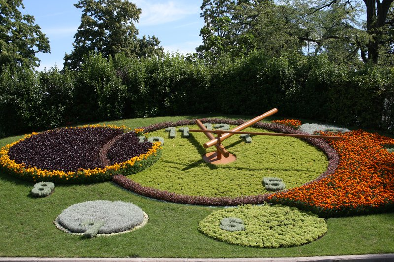 Crowne Plaza Geneva-Flower Clock<br/>Image from Leonardo