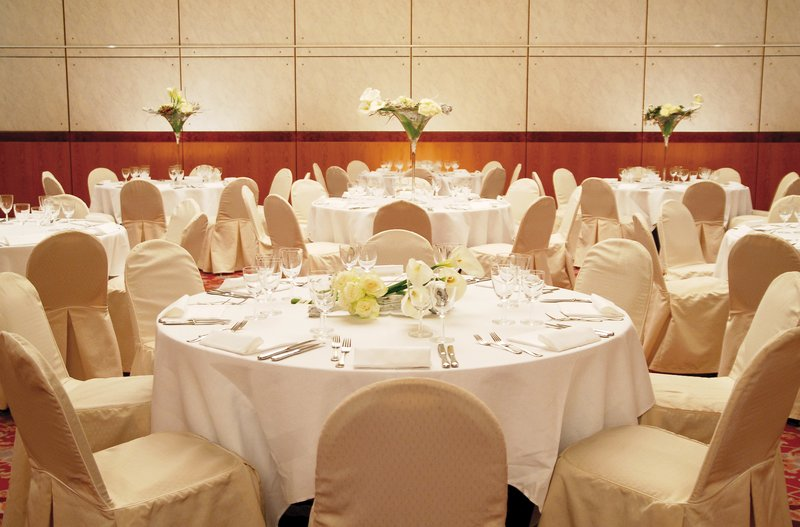 Crowne Plaza Geneva-Banquet Room for dinners and wedding parties<br/>Image from Leonardo