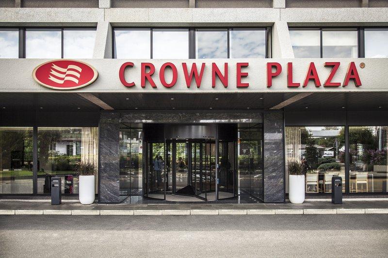 Crowne Plaza Geneva-Hotel main entrance<br/>Image from Leonardo