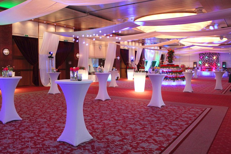 Crowne Plaza Geneva-Reception Area for events, cocktails and wedding parties<br/>Image from Leonardo