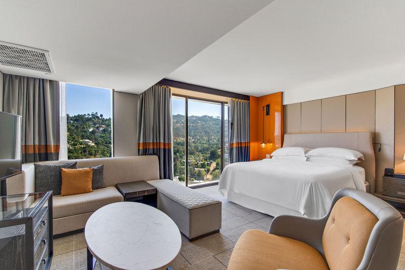 Sheraton Universal Hotel-King Junior Suite<br/>Image from Leonardo