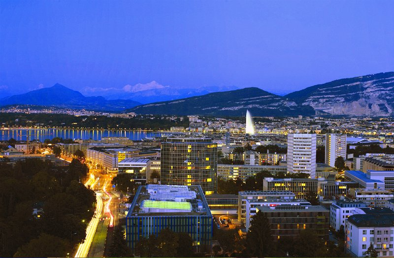 InterContinental Geneve-Enjoy the View of Geneva and its Water Fountain at night<br/>Image from Leonardo
