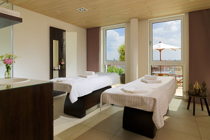 Sheraton Carlton Hotel Nuernberg-Spa Facilities<br/>Image from Leonardo