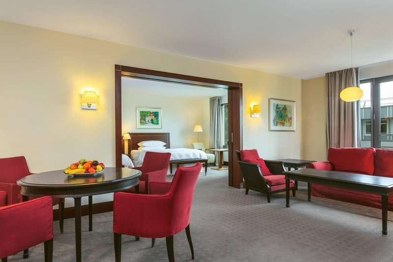Sheraton Carlton Hotel Nuernberg-Porticus Suite – Living Room<br/>Image from Leonardo