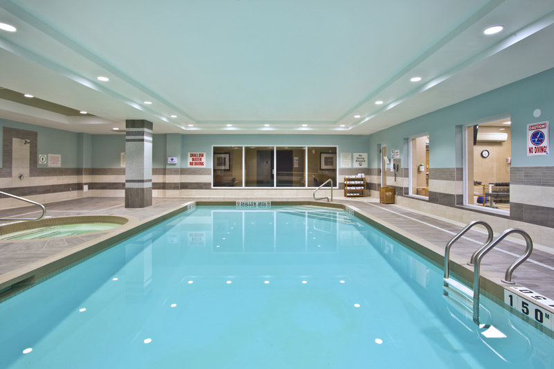 Holiday Inn Express & Suites Kingston-Relax by our indoor Swimming Pool<br/>Image from Leonardo