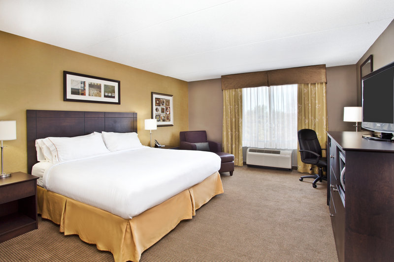 Holiday Inn Express & Suites Kingston-ADA/Handicapped accessible King Guest Room<br/>Image from Leonardo