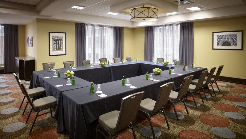 Staybridge Suites Hamilton - Downtown-Alexander Room, 680 Square Feet<br/>Image from Leonardo