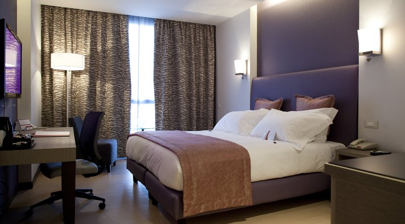 Crowne Plaza Verona Fiera-Deluxe Room<br/>Image from Leonardo