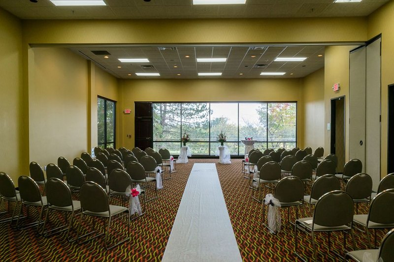 Holiday Inn Big Rapids-Great Lakes Banquet Room<br/>Image from Leonardo