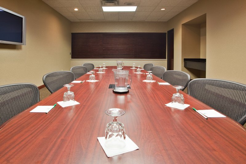 Holiday Inn Big Rapids-Boardroom<br/>Image from Leonardo