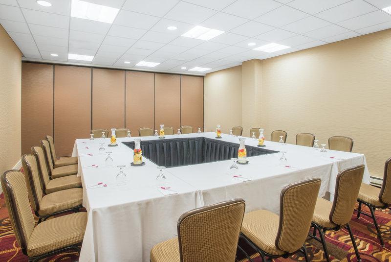 Crowne Plaza Boston - Newton-Meeting Room<br/>Image from Leonardo