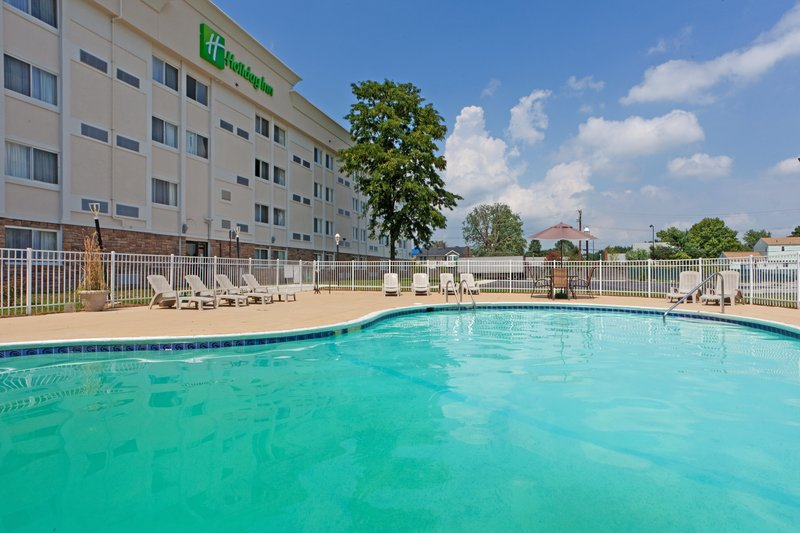 Holiday Inn Dover-Downtown-Swimming Pool<br/>Image from Leonardo