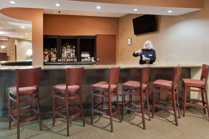 Holiday Inn Dover-Downtown-Bar and Lounge<br/>Image from Leonardo