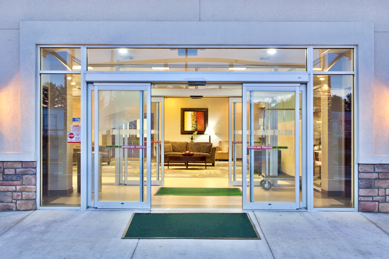 Holiday Inn Dover-Downtown-Entrance<br/>Image from Leonardo