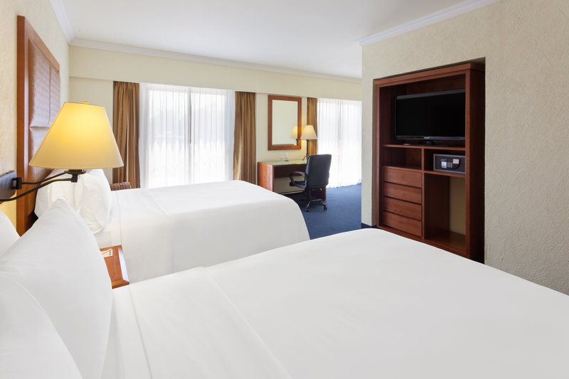 Holiday Inn Express Oaxaca-Centro Historico-Efficient Two Queen beds Room<br/>Image from Leonardo