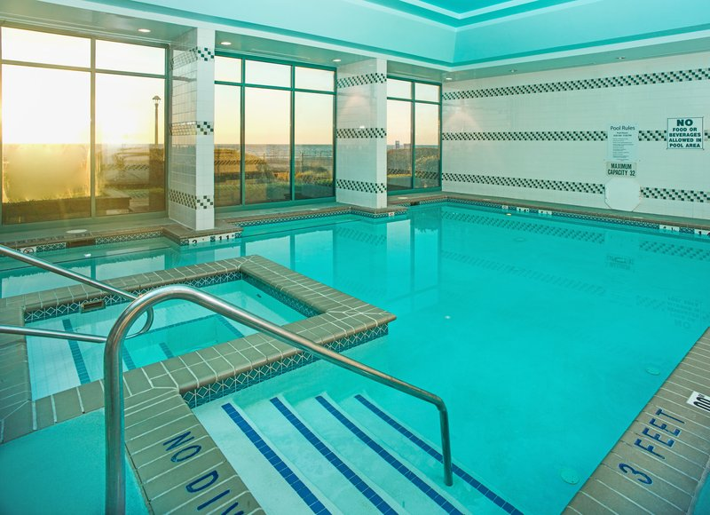 Holiday Inn Express And Suites Virginia Beach Oceanfront-Swimming Pool<br/>Image from Leonardo