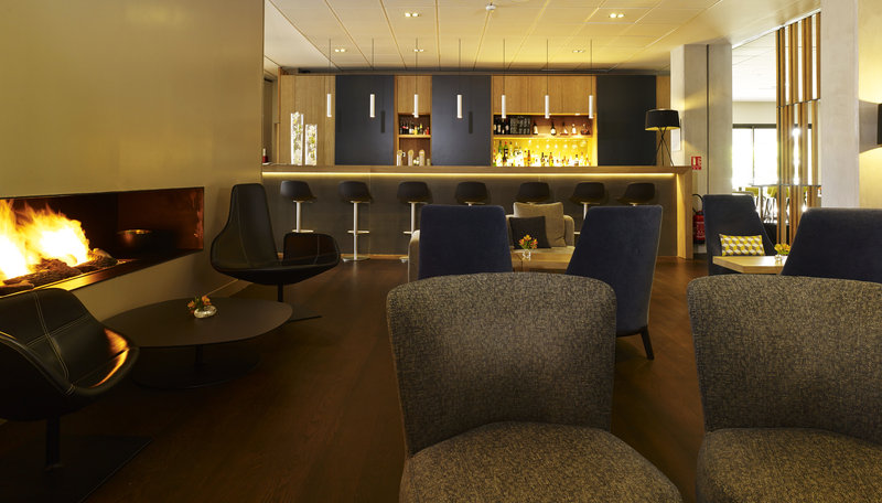 Holiday Inn Express Toulouse Airport-Bar and Lounge<br/>Image from Leonardo