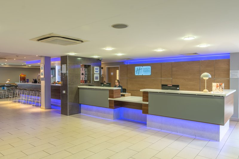 Holiday Inn Express Kettering-Our Welcoming Reception Area<br/>Image from Leonardo