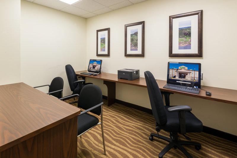 Holiday Inn Express Deer Lake-Business Center Open 24 Hours<br/>Image from Leonardo