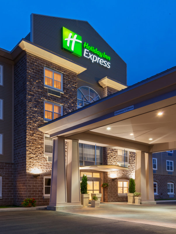 Holiday Inn Express Deer Lake-Welcome to the Holiday Inn Express Deer Lake!<br/>Image from Leonardo