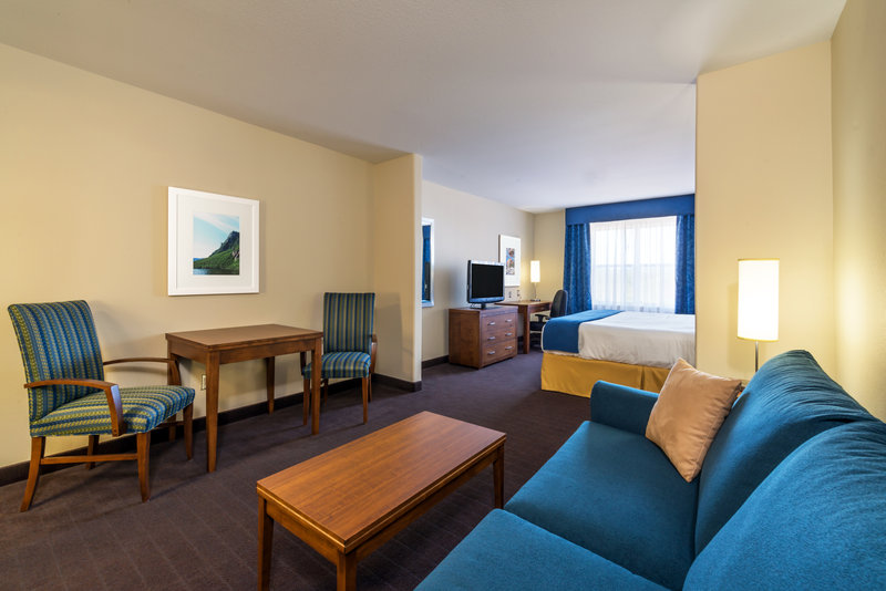 Holiday Inn Express Deer Lake-Enjoy Extra Living Space in our Executive Room<br/>Image from Leonardo