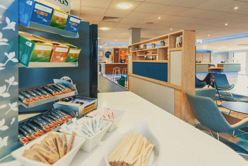 Holiday Inn Express Kettering-Breakfast Area<br/>Image from Leonardo