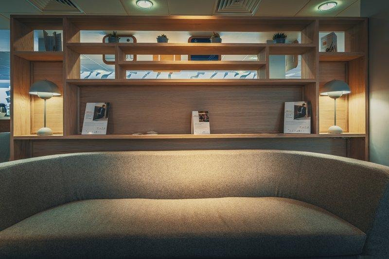 Holiday Inn Express Kettering-Lobby Lounge<br/>Image from Leonardo