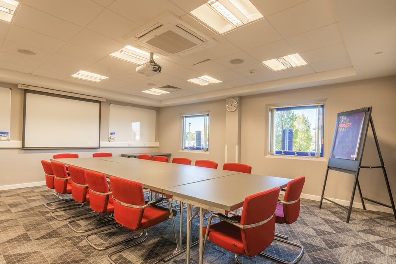 Holiday Inn Express Kettering-Kettering Suite Boardroom Style<br/>Image from Leonardo