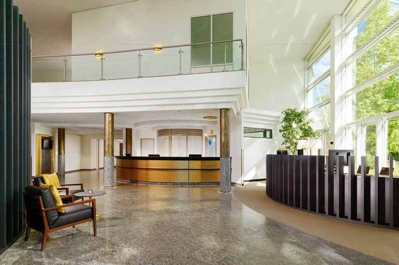 Sheraton Offenbach-Lobby<br/>Image from Leonardo