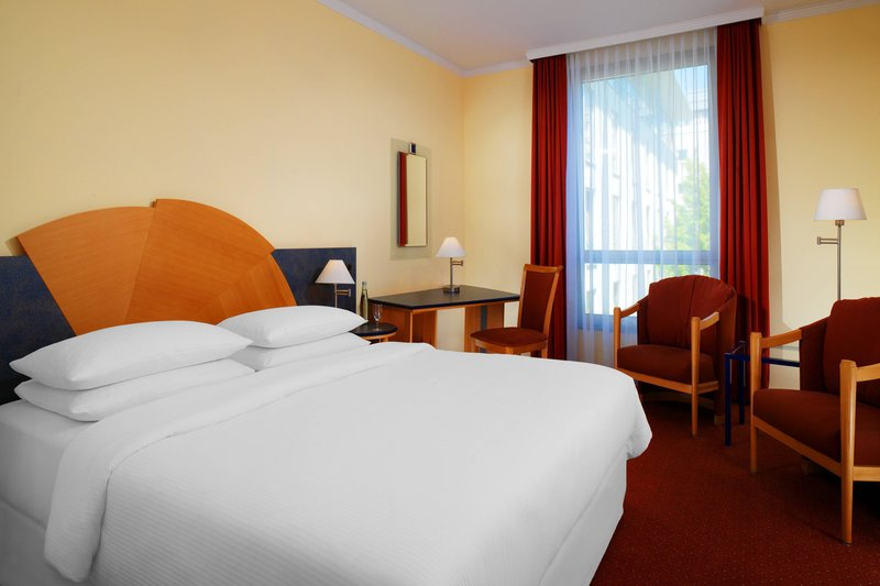 Sheraton Offenbach-Guest Room<br/>Image from Leonardo