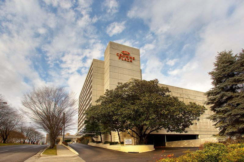 Crowne Plaza Knoxville Downtown University-We're located right in the center of Downtown Knoxville.<br/>Image from Leonardo