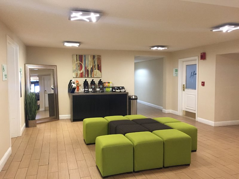 Holiday Inn Danbury-Bethel at Interstate 84-Complimentary Coffee, Tea and Hot Water in the lobby.<br/>Image from Leonardo