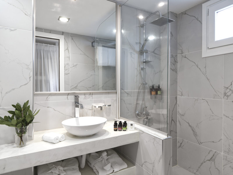 Aressana Spa Hotel & Suites-Bathroom Detail<br/>Image from Leonardo