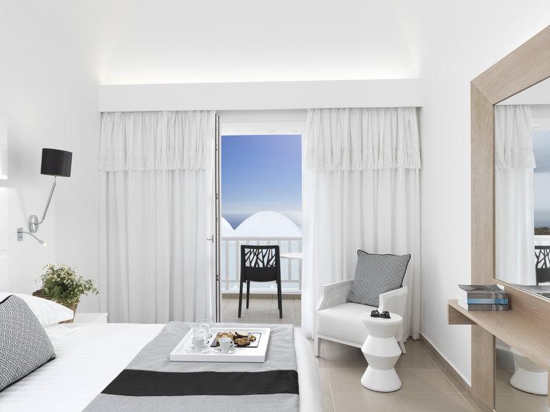 Aressana Spa Hotel & Suites-Jacuzzi Sea View Suite<br/>Image from Leonardo