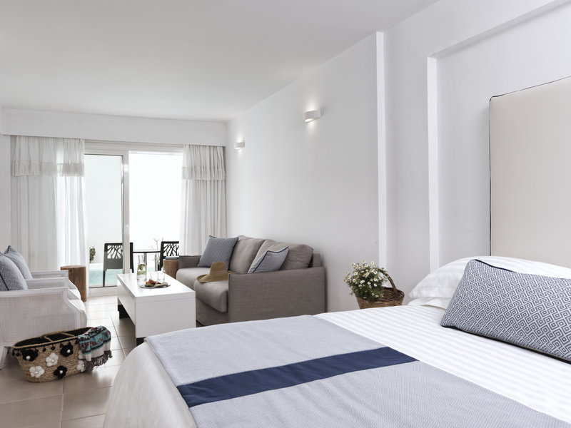 Aressana Spa Hotel & Suites-Junior Suite Sharing Pool<br/>Image from Leonardo